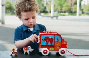 Dřevěné hračky mají své zvláštní kouzlo a příběh