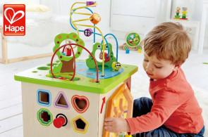 HAPE - barevný svět ekologických dřevěných hraček