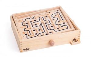 Labyrint s naklápěcími rovinami s výměnnými deskami