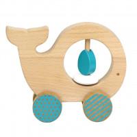 Dřevěná velryba na kolečkách